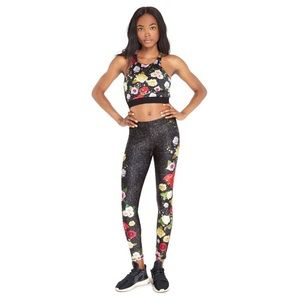 Terez | Winter Floral Leggings In Black